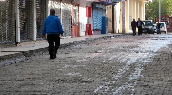 Cizre Ve Silopi Esnafi, Yüksekova Için Kepenk Açmadi