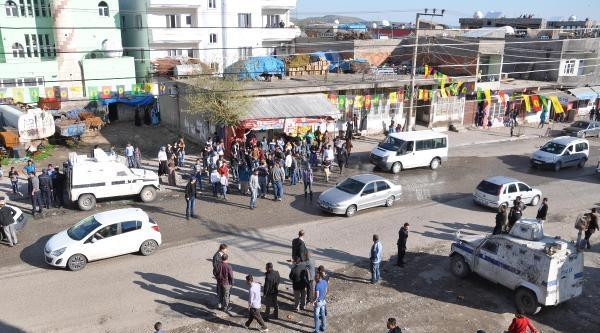 Cizre'de Hüda-par Konvoyuna Taşlı Saldırı