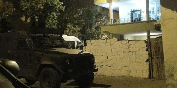 Cizre'de, Tarikat Şeyhinin Evine Ses Bombasi Atildi