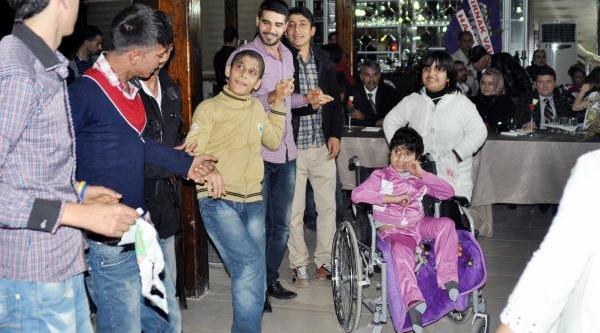 Cizre'deki Engelliler Kendi Imkanlariyla Eğlendi