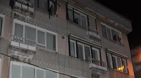 Çocuklar Dövülünce, Mahalleli Batmanlı Ailenin Evine Yürüdü