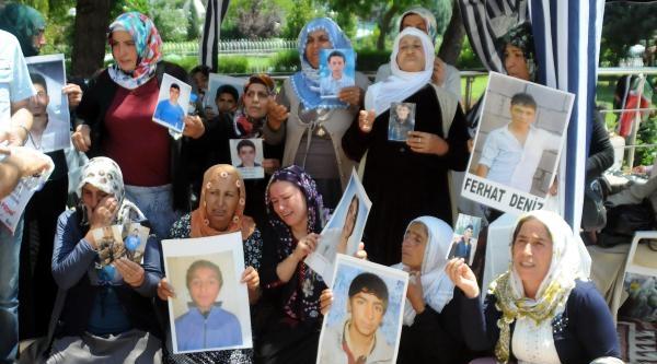 Çocuklarini Pkk'nın Kaçırdığı Aileler Eylemlerine Ara Verdi- Fotoğraflar