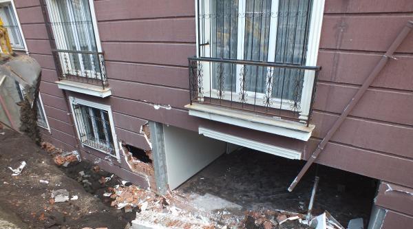 Çöken İstinat Duvarı Öğrenci Evinin Duvarını Uçurdu