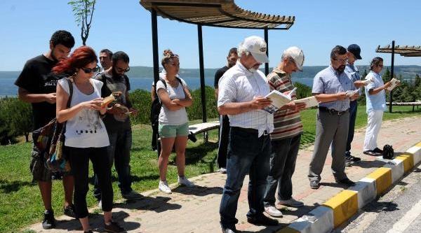 Çomü'de Kitap Okumali 'duran Adam' Eylemine Soruşturma