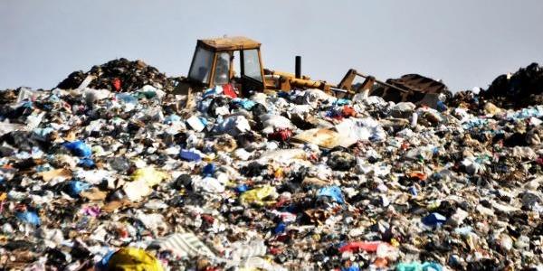 Çöplük Yangini Bir Türlü Söndürülemedi