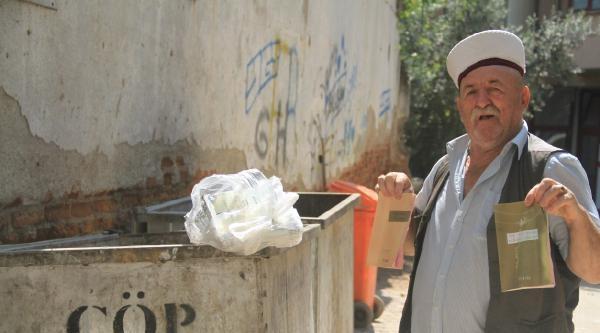 Çöpten Müftünün Sarığı Ve Dini Kitaplar Çikti