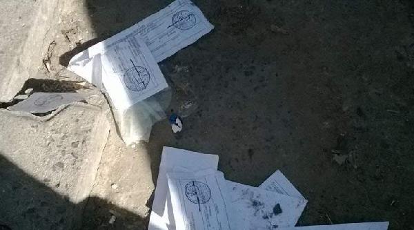 Çorlu'da Bazı Seçmen Kağıtları Sokakta Bulundu