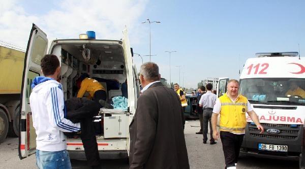 Çubuk'ta Trafik Kazası: 10 Yaralı