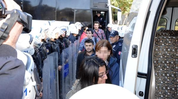 Çü'de Gözaltina Alinan Öğrenciler Serbest Birakildi