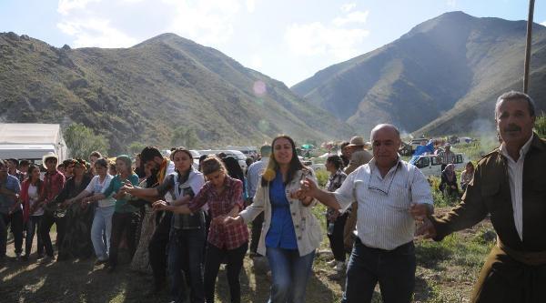 Çukurca'da Ahmet-i Hani Festivali Düzenlendi