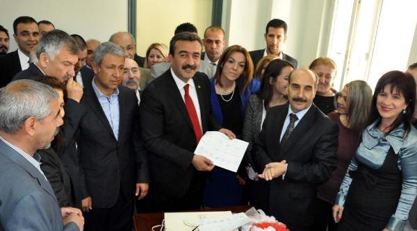 Çukurova Belediye Başkanı Chp'li Çetin, Mazbatasını Aldı