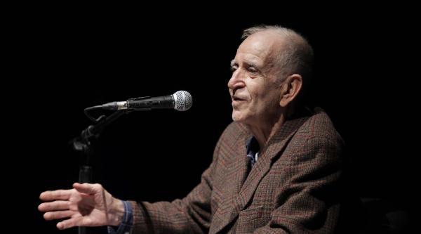 Çukurova Ödülü Şair Ve Yazar  Ülkü Tamer'e