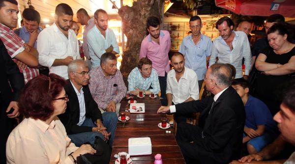 Cumhurbaşkanı Adayı İhsanoğlu'dan Otobüsle İstanbul Turu