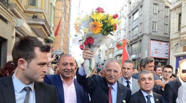 Cumhurbaşkanı Adayı İhsanoğlu'ndan Gezi Parkı Ve İstiklal Caddesi Turu