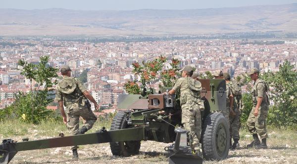 Cumhurbaskanı Erdoğan İçin 101 Pare Top Atışı