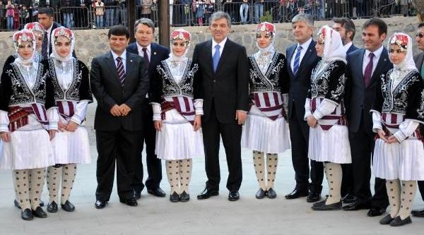 Cumhurbaşkani Gül, Ağaca Çikan 85'lik Halil Dedeyi Uyardi: Çikmak Kolay, Inmek Zordur (3)