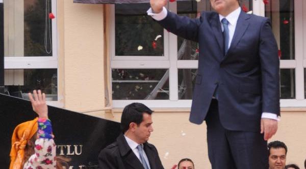 Cumhurbaşkani Gül: Anayasa Mahkemesi Karari Çok Önemli