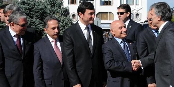 Cumhurbaşkani Gül; 'büyükşehirleri Nüfus Metropol Yapmaz'- Fotoğraflari