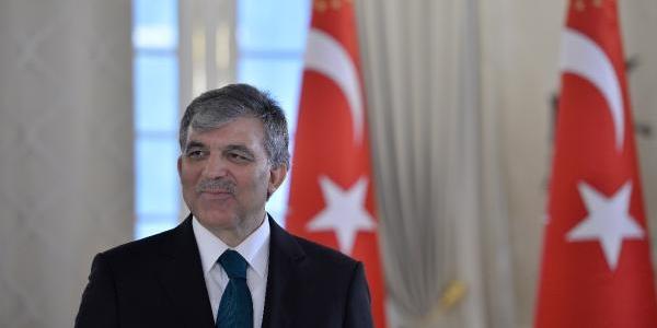 Cumhurbaşkani Gül, Cumhuriyet Bayrami Tebriklerini Çankaya Köşkü'nde Kabul Etti