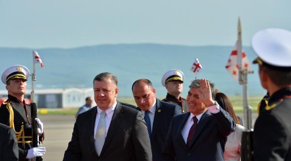 Cumhurbaşkanı Gül, Gürcistan'da Old Town Bölgesini Gezdi