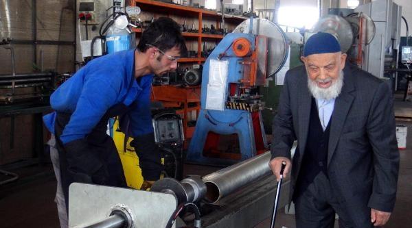Cumhurbaşkanı Gül'ün Babası Hala Çalişiyor: Şimdiki Gençler Hem Akıllı, Hem Çalişkan / Ek Fotoğraflar