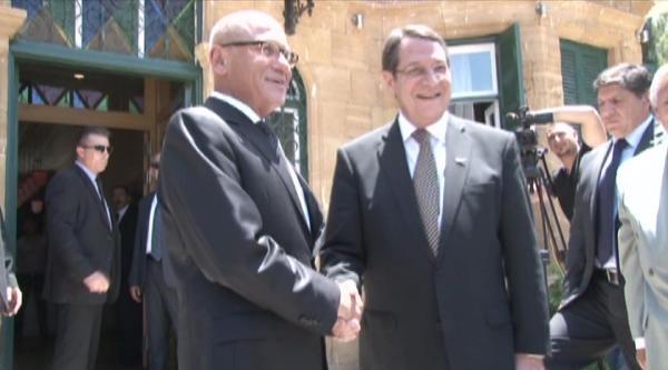 Cumhurbaşkanı Talat İle Rum Lider Anastasiades Bir Araya Geldi