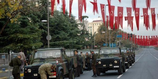 Cumhuriyet Bayrami Kutlama Provalari Yapiliyor