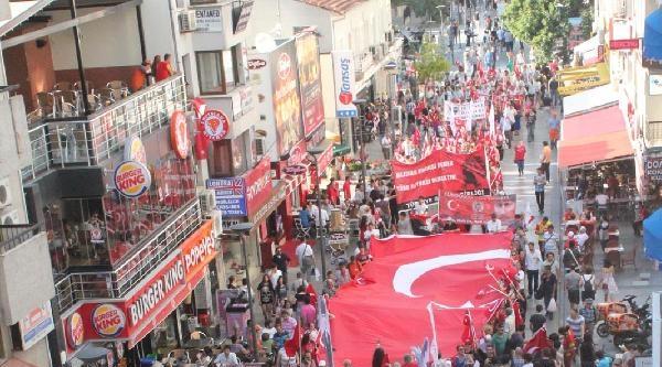 Cumhuriyet İçin Güçbirliği Platformu'ndan 'bayrak Ve Birlik' Yürüyüşü
