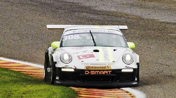 D Smart'ın Medya Sponsoru Olduğu Go Motorsports, Spa'da Yağmura Yakalandı