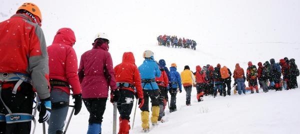 Dağcıların -25 Derece Soğukta Zorlu Eğitimi