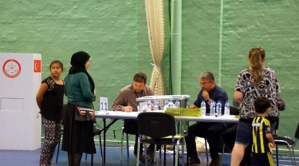 Danimarka'da Cumhurbaşkanlığı Seçimlerine İlgi Düşük Oldu