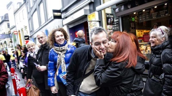 Danimarkalılar Öpüşme Rekoru Kırdılar