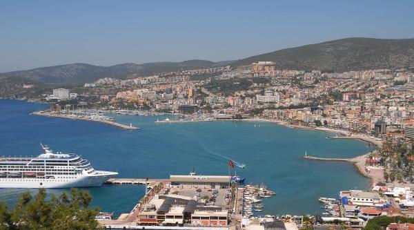 Danıştay'dan Kuşadası Limanı'nda Yeni Karar