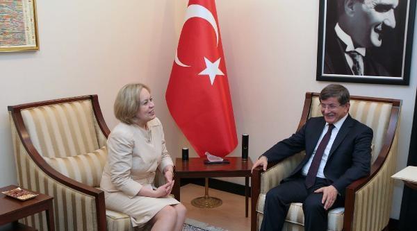 Davutoğlu, Belarus Dışişleri Bakan Yardımcısı Kupçina'yı Kabul Etti