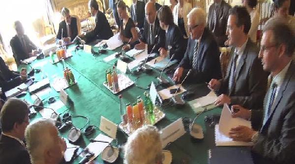 Davutoğlu, Fransa Dışişleri'ndeki Gazze Toplantısına Katıldı