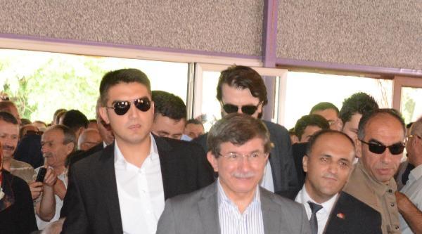 Davutoğlu: İhsanoğlu, Türkmeneli Bölgesi'nin Adlarını Bile Bilmez