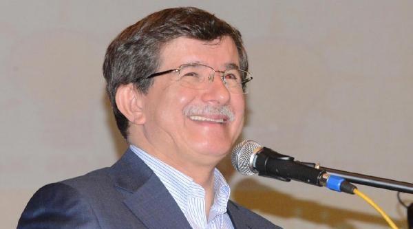 Davutoğlu: İhsanoğlu'nun Eline Ezber Kağıdı Veriyorlar
