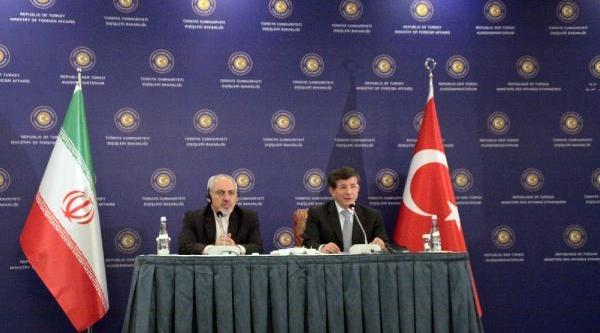 Davutoğlu, Iran Dişişleri Bakani Zarif'i Ağirladi