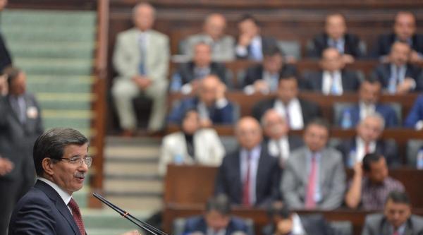 Davutoğlu'ndan Milletvekillerine: Sizce Sapma Olursa Gelip Konuşmanız Gereken Benim