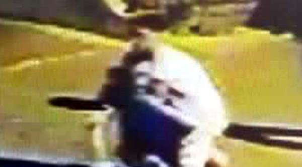 Dayı Ve Yeğene Bıçaklı Ve Satırlı Saldırı Güvenlik Kamerasına Takıldı