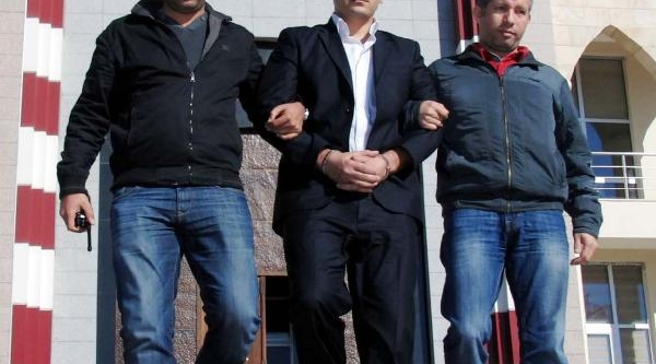 Dedesini Biçaklayarak Öldüren Torun Tutuklandi
