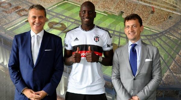 Demba Ba, Vodafone Arena'da Beşiktaş Başkanı Fikret Orman İle Buluştu