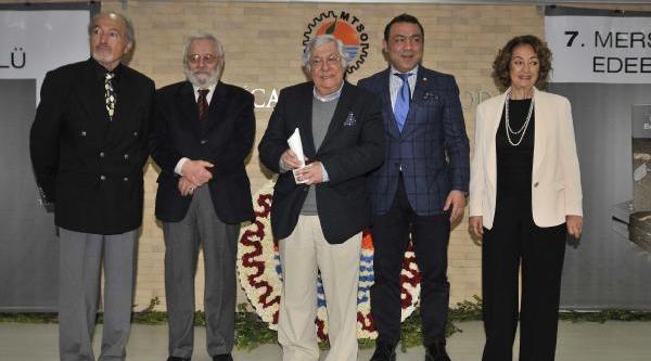 Demir Özlü, Mersin Kenti Edebiyat Ödülü'nü Aldi