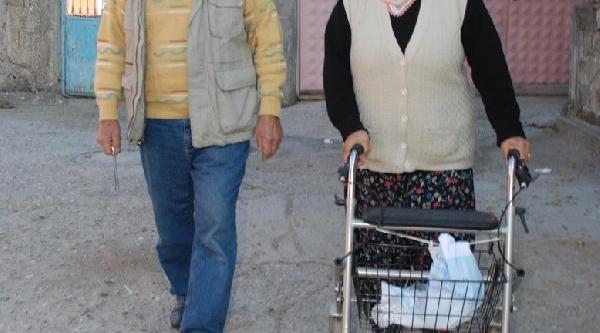 Demirci Ailesi, 46 Yil Önce 'öldü' Denilen Oğlunu Ariyor