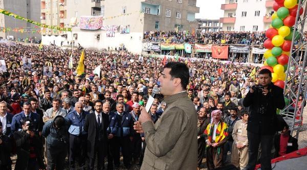 Demirtaş:30 Mart Seçimleri Halkın Özgürlüğüne Giden Yolda Bir Adımdır