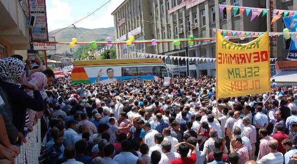 Demirtaş: Akp'lilerin Bana Oy Vermesi Lazım