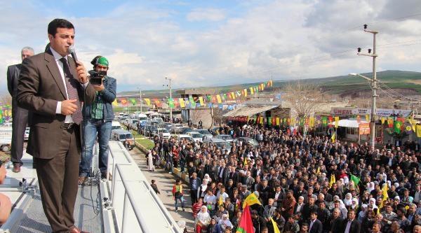 Demirtaş: Gösteri Yapanlara Başka Grupların Müdahalesi İç Savaşa Götürür
