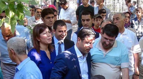 Demirtaş, Vedat Aydın'ın Mezarını Ziyaret Etti