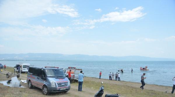 Deniz Bisikletiyle Açıldıkları İznik Gölü'nde Kaybolan 2 Gençten Birinin Cesedi Bulundu - Ek Fotoğraflar