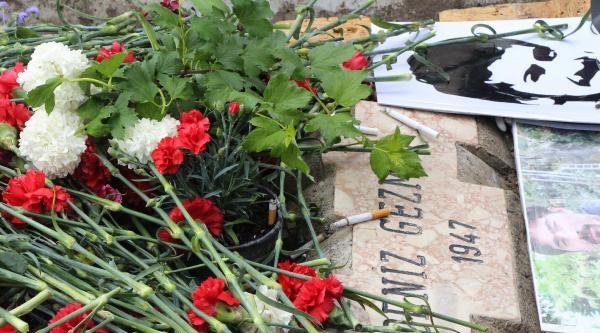 Deniz Gezmiş Ve Arkadaşları, Mezarları Başında Anıldı